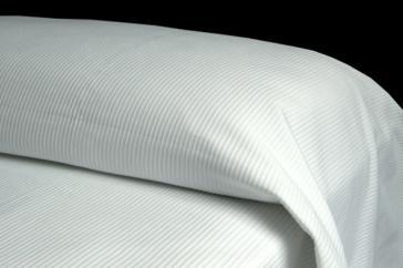 Colcha OTOMAN  50%algodón - 50%poliéster