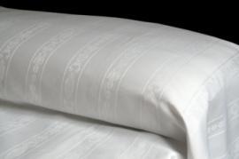 Colcha blanca BARROCO 50% algodón 50% poliéster